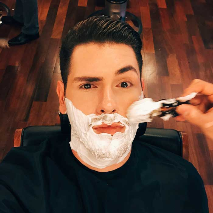 267b95b165 Sobrancelha masculina: saiba como fazer a sua sem sair de casa • Beard