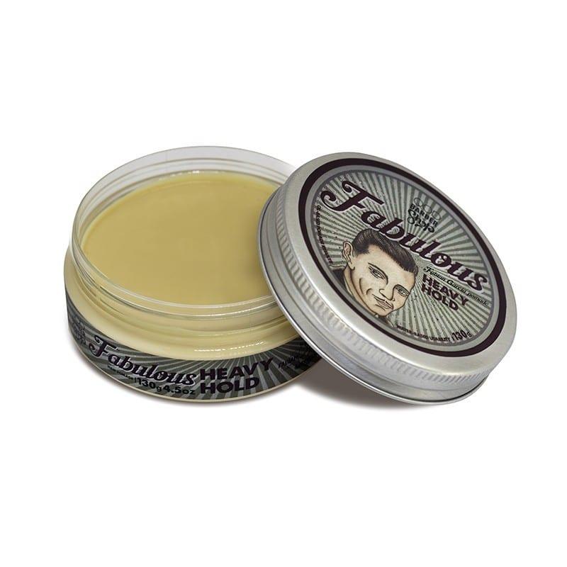 4302a987a Aprenda a aplicar pomada para cabelo em 5 passos • Beard