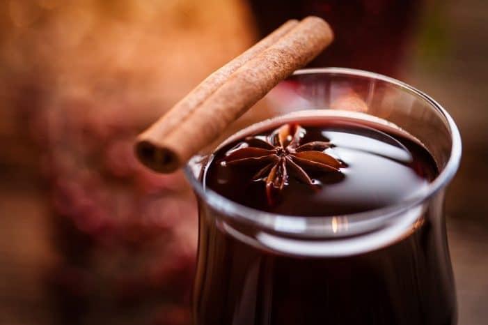 O quentão é inusitado, mas pode figurar fácil nas Bebidas para aproveitar o frio